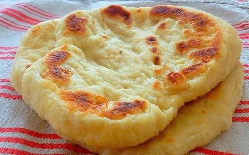 Photo of Mit Käse gefüllter schneller Langosch – kein Hefeteig, in nur 10 Minuten fertig