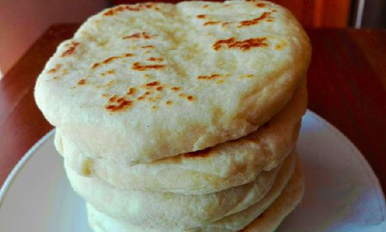 Photo of Super schnelle mit Käse gefüllte Knoblauchfladen