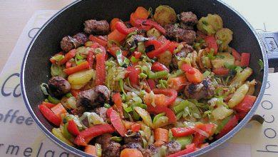 Photo of Bratwurst-Kartoffelpfanne mit Gemüse
