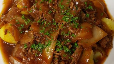 Photo of Schichtkohl oder schmorkohl mit salzkartoffeln